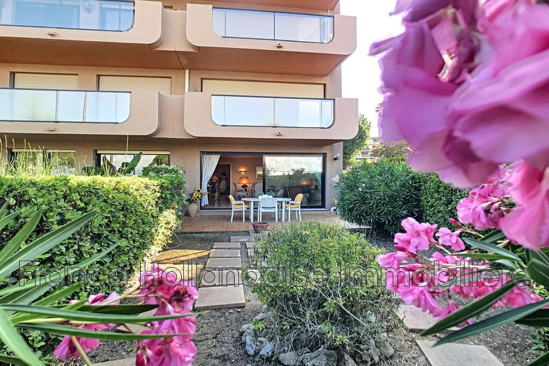 Photo Apartment Antibes Proche plages,   to buy apartment  2 rooms   58 m²