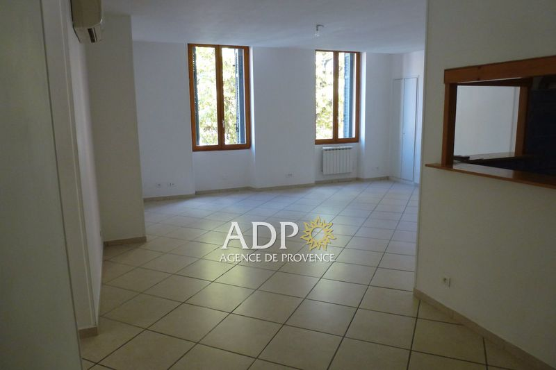 Photo Appartement Grasse Centre-ville,  Location appartement  3 pièces   100m²