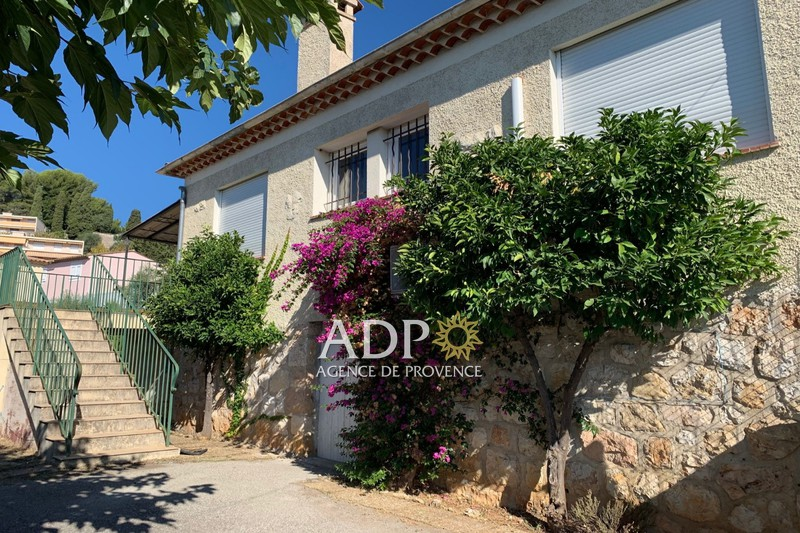House Grasse  Rentals house  3 bedrooms   101m²