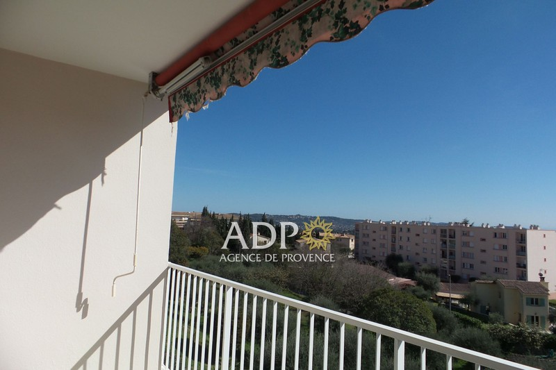 Appartement Grasse Saint jacques,  Location appartement  2 pièces   50 m²