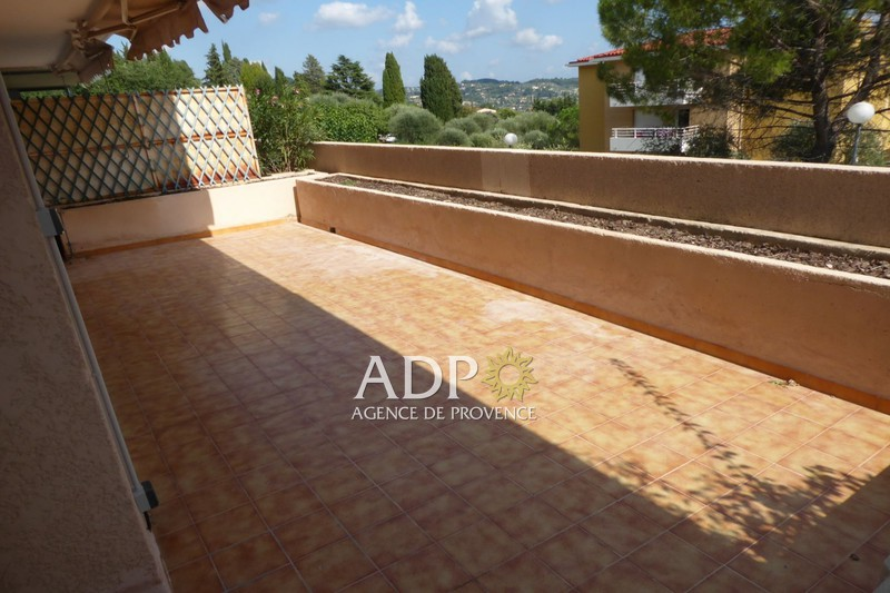 Photo Appartement Grasse  Location appartement  2 pièces   58 m²