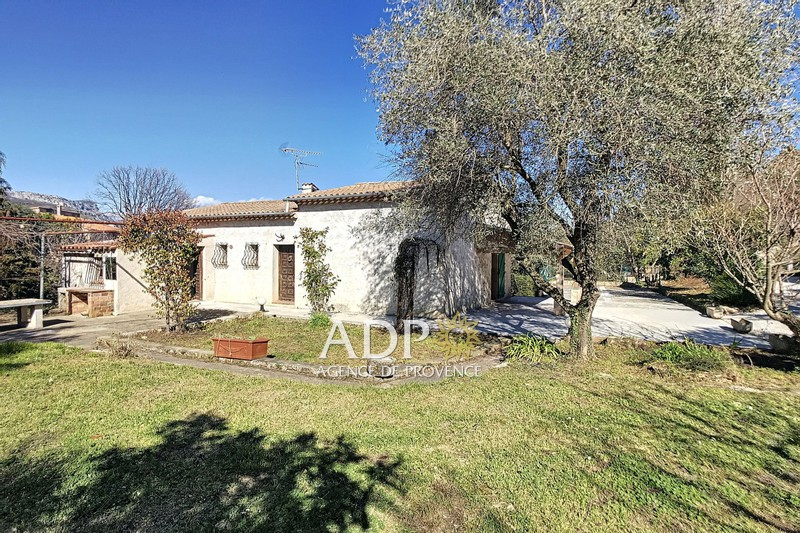 House Châteauneuf-Grasse   to buy house  4 bedrooms   140m²
