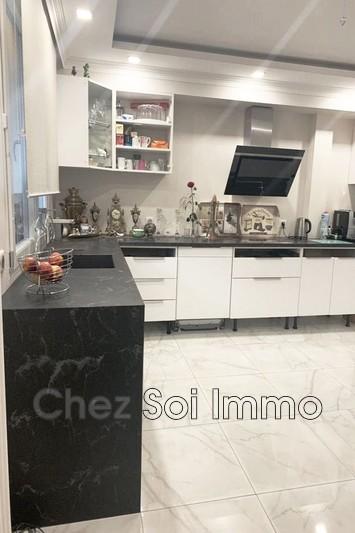 Apartment Juan-les-Pins Bord de mer,   to buy apartment  4 rooms   72m²