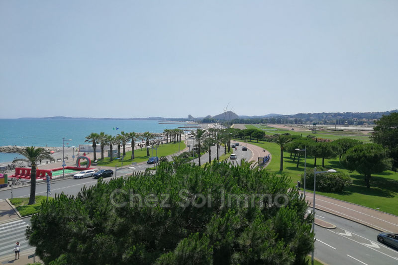 Photo Apartment Cagnes-sur-Mer Bord de mer,   to buy apartment  3 rooms   53 m²