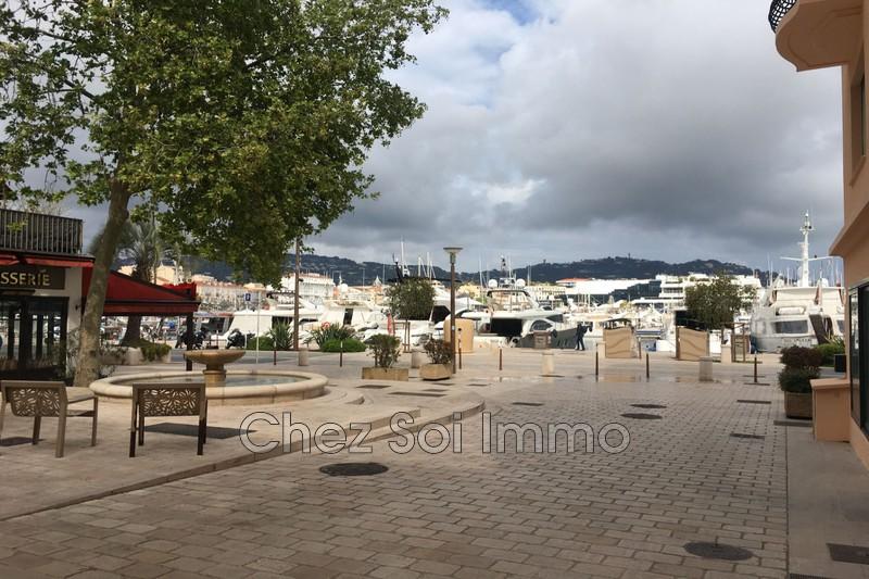 Photo Apartment Cannes Vieux port,   to buy apartment  2 rooms   40m²