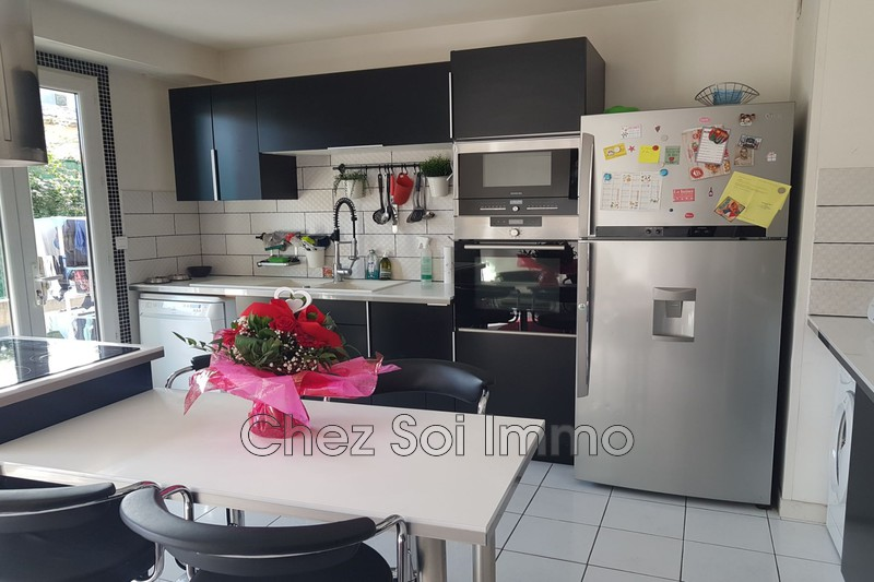 Photo Appartement Saint-Laurent-du-Var Les rascas,   achat appartement  2 pièces   52 m²
