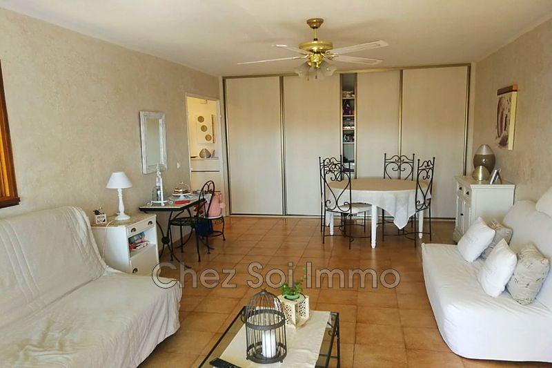 Appartement Saint-Laurent-du-Var   achat appartement  4 pièces   86m²