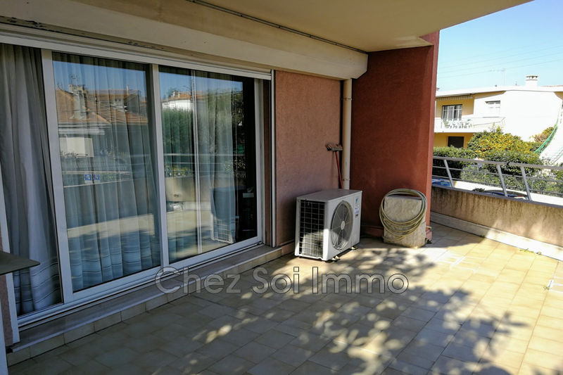 Photo Appartement Saint-Laurent-du-Var Tzanck,   achat appartement  3 pièces   78 m²