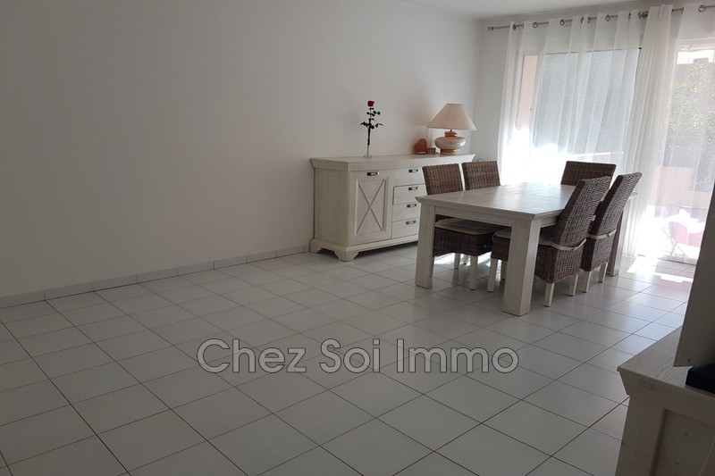 Photo Appartement Saint-Laurent-du-Var Les rascas,   achat appartement  3 pièces   67 m²