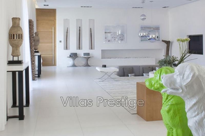 Location saisonnière maison contemporaine Saint-Tropez 281_b9a799ae52d5da7d7aa97c2336d74bb6