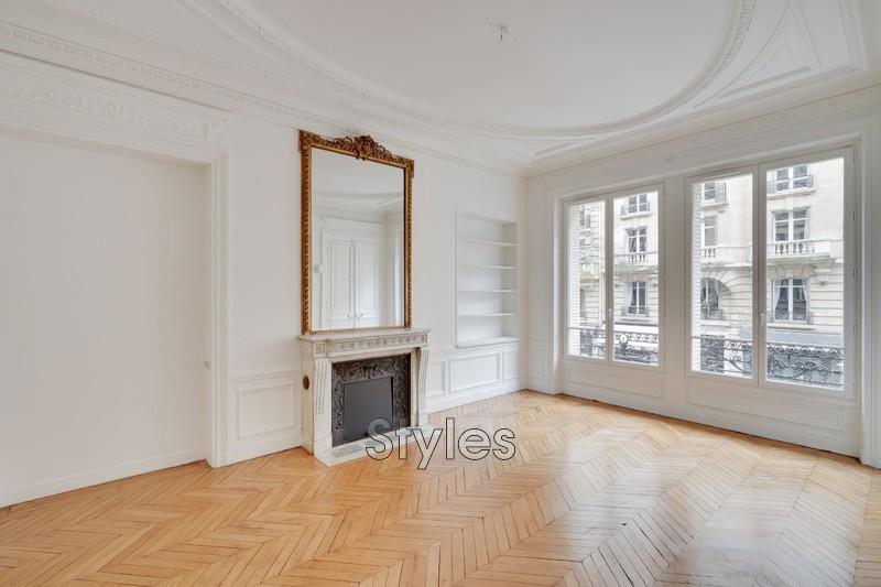 Photo Appartement Paris  Location appartement  6 pièces   183m²