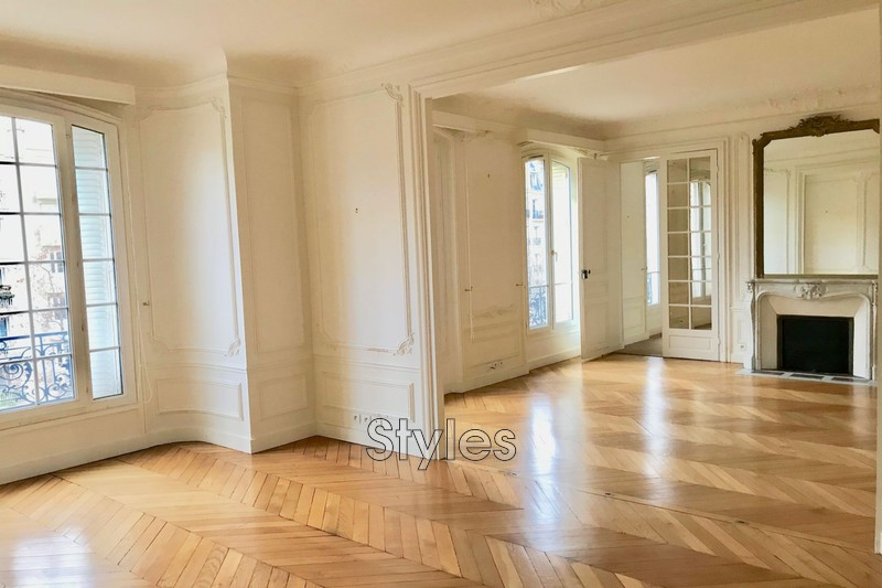Photo Appartement Paris  Location appartement  6 pièces   153 m²
