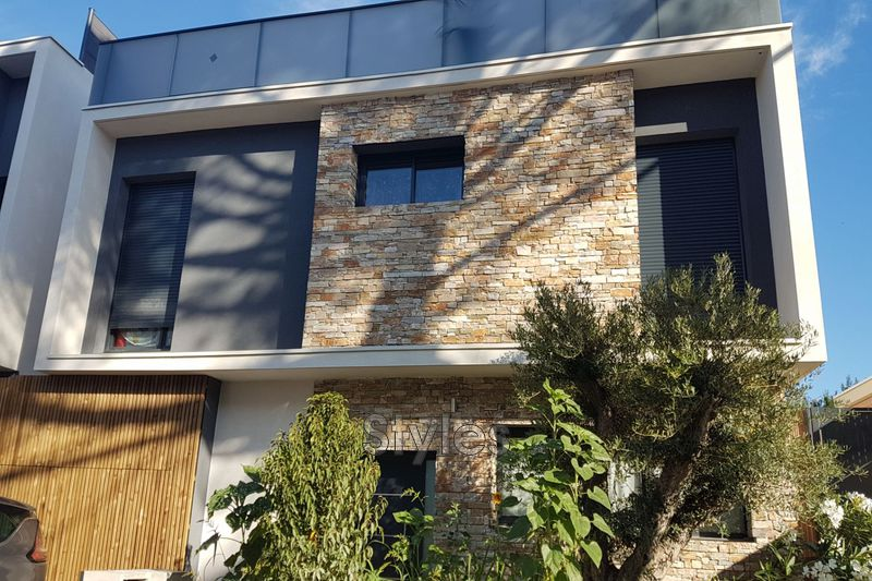 Photo Contemporary house Montpellier Centre-ville,   to buy contemporary house  4 bedrooms   130 m²