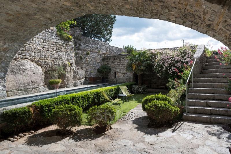 Photo Château Uzès   achat château  7 chambres   350m²