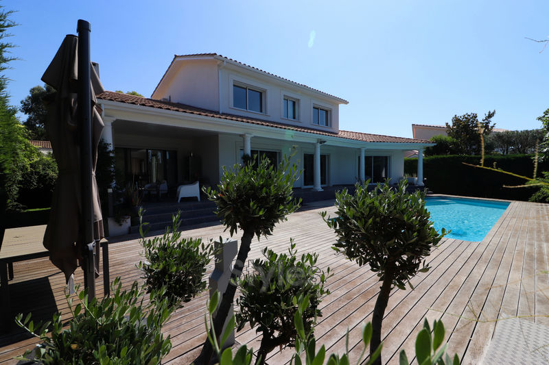 Photo Villa Montpellier   to buy villa  5 bedrooms   240m²