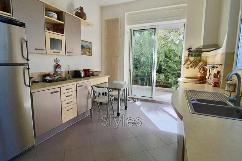 Photo n°8 - Vente appartement Marseille 13008 - 945 000 €