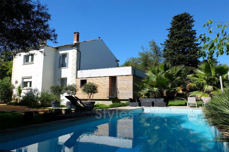 Photo Maison de village / ville Montpellier   achat maison de village / ville  6 chambres   300m²
