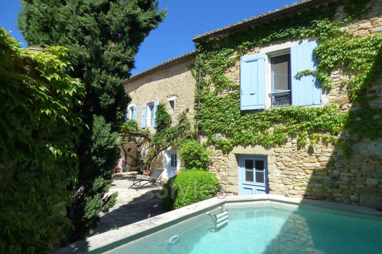 Vente maison de village uz s 30700 595 000 for Maison moderne uzes