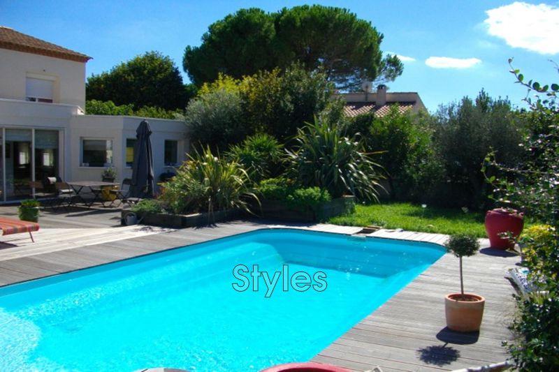 Photo Villa Montpellier   achat villa  5 chambres   210m²