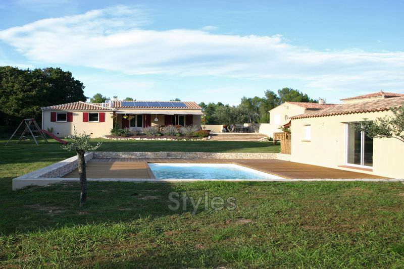 Photo Villa Uzès   to buy villa  3 bedroom   135 m²