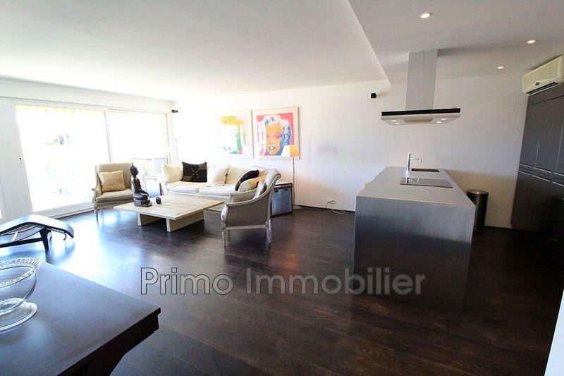 Photo Appartement Saint-Tropez   achat appartement  2 pièces   80m²