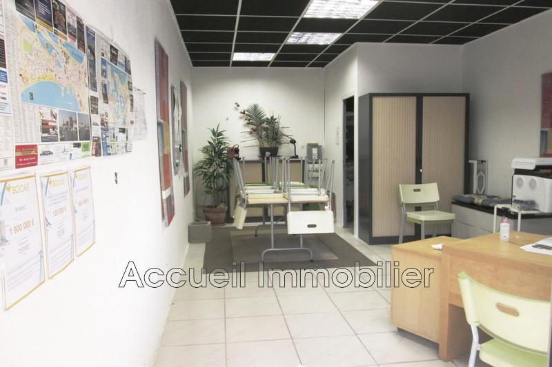 Photo Murs boutique Port-Camargue Plage nord,  Professionnel murs boutique   30m²