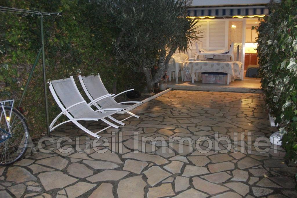 Vente appartement rez de jardin le grau du roi 30240 187 for Appartement bordeaux rez de jardin