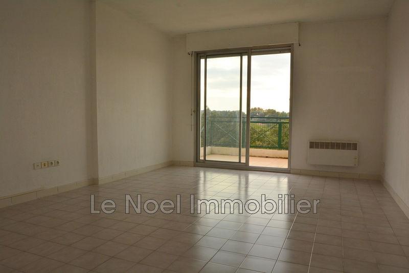 Photo Appartement Luynes Centre-ville,  Location appartement  2 pièces   54m²