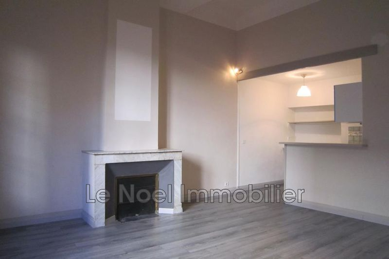 Photo Appartement Aix-en-Provence Centre ville,  Location appartement  2 pièces   40 m²
