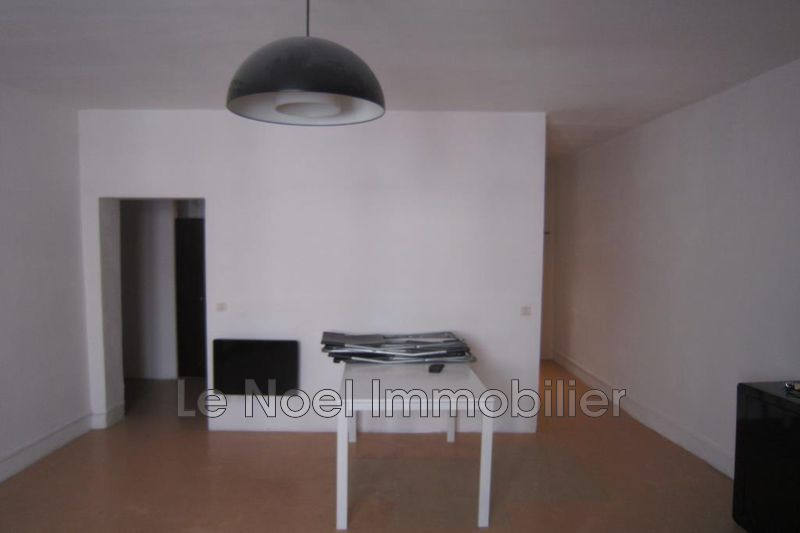 Photo Appartement Aix-en-Provence Centre ville,  Location appartement  1 pièce   25 m²