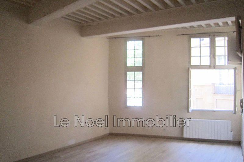 Photo Appartement Aix-en-Provence Centre-ville,  Location appartement  3 pièces   57m²