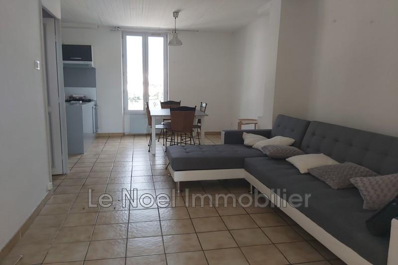 Photo Appartement Gardanne Centre-ville,  Location appartement  3 pièces   50m²