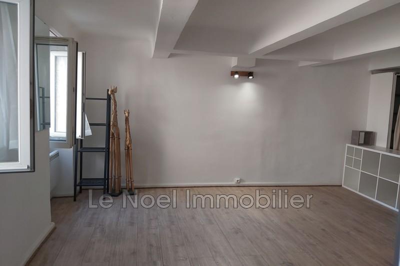 Photo Appartement Marseille Centre-ville,  Location appartement  1 pièce   32m²