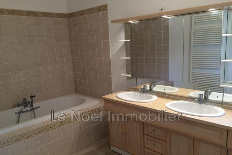 Photo n°9 - Location maison Saint-Savournin 13119 - 1 900 €