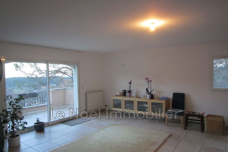 Photo n°2 - Location maison Saint-Savournin 13119 - 1 900 €