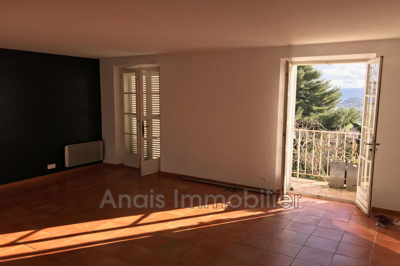 Photo Appartement Grimaud  Location appartement  3 pièces   60 m²