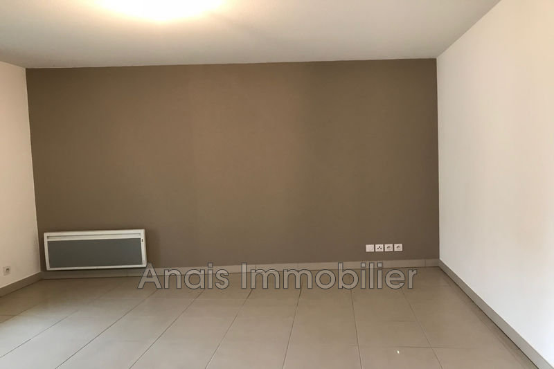 Photo n°3 - Location appartement Cogolin 83310 - 996 €