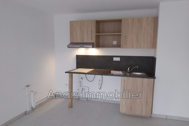 Photo n°2 - Location appartement Cogolin 83310 - 661 €
