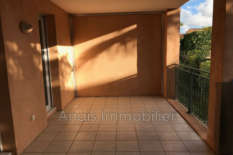 Photo Appartement Cogolin  Location appartement  3 pièces   64 m²