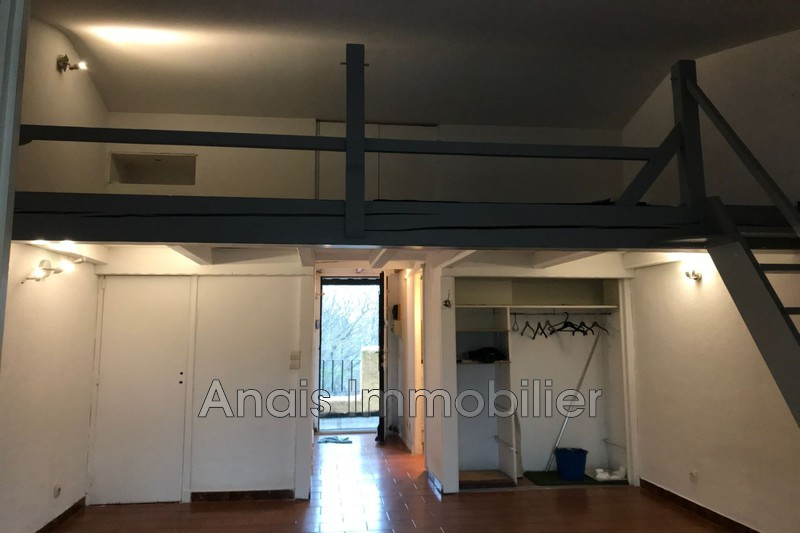 Photo Appartement Grimaud  Location appartement  1 pièce   26 m²
