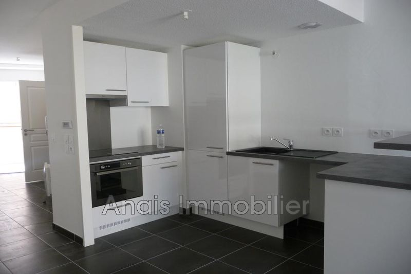 Photo Appartement Sainte-Maxime  Location appartement  2 pièces   48 m²