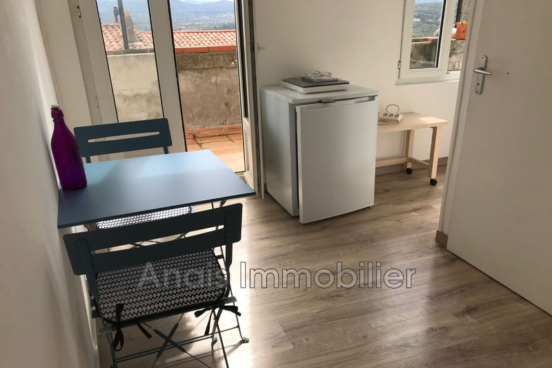 Photo Appartement Grimaud  Location appartement  1 pièce   21 m²