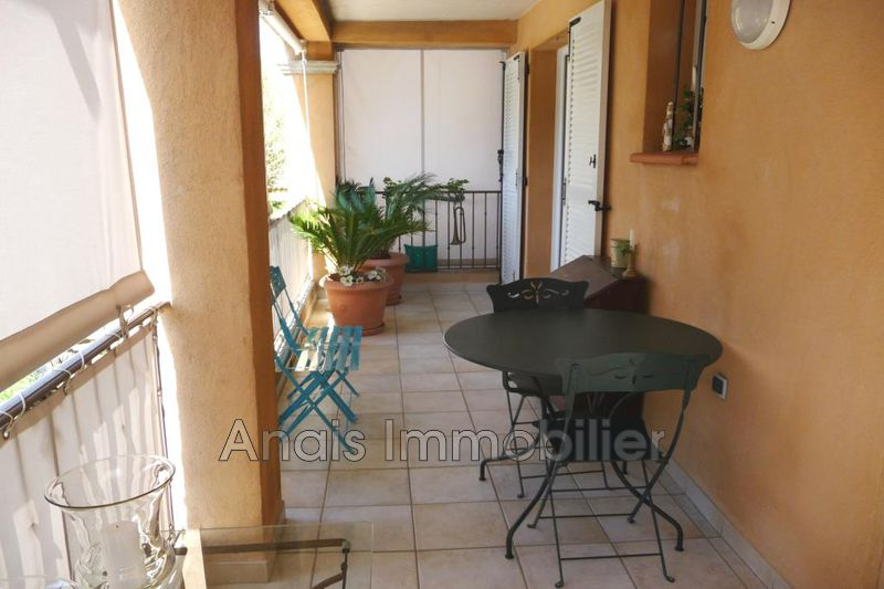 Photo Appartement Cogolin Centre-ville,   achat appartement  4 pièces   88 m²