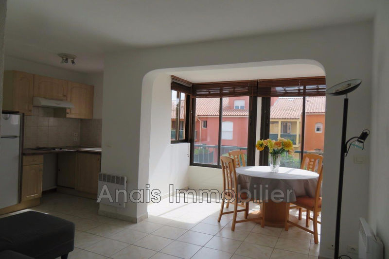 Photo Appartement Cogolin Centre-ville,   achat appartement  2 pièces   30 m²