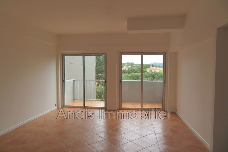 Photo Appartement Cogolin   achat appartement  3 pièces   60 m²