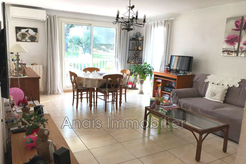 Photo Appartement Cogolin   achat appartement  3 pièces   67 m²