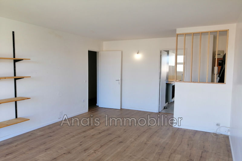 Photo Appartement Cogolin   achat appartement  3 pièces   63 m²