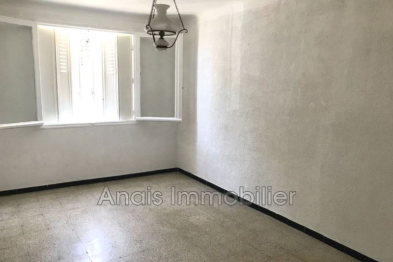 Photo Appartement Cogolin   achat appartement  4 pièces   66 m²