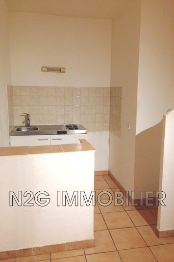 Photo Appartement Grasse Centre-ville,  Location appartement  2 pièces   34 m²