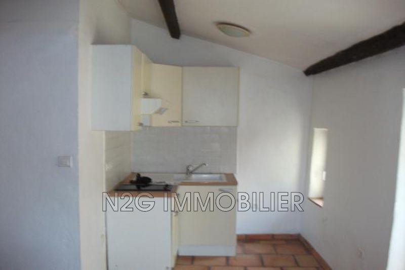 Photo n°2 - Location appartement Saint-Paul-en-Forêt 83440 - 445 €